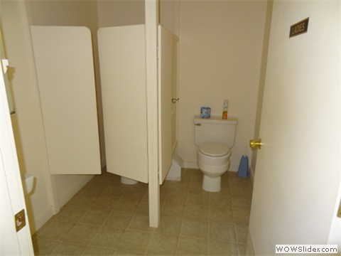 Double stall ladies' room