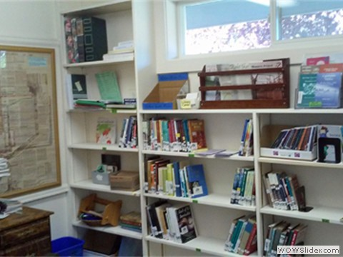 Library with Quaker literature